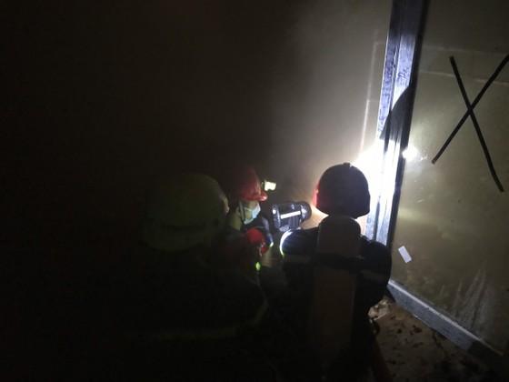 Lại cháy, lần này ngay trung tâm quận 1, sát Trường Ernst Thalmann ảnh 3