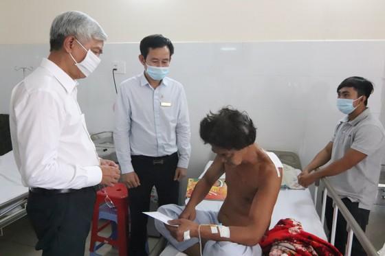 Lãnh đạo TPHCM thăm, động viên gia đình nạn nhân vụ hỏa hoạn 6 người tử vong ảnh 3