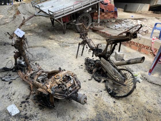 Bộ Tư lệnh TPHCM thăm, động viên gia đình nạn nhân vụ hỏa hoạn 6 người tử vong ảnh 4