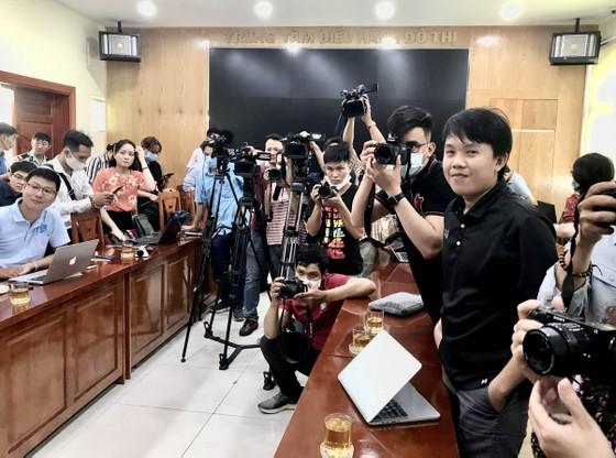UBND quận 10 thông tin về vụ bảo vệ dân phố đánh 2 thiếu niên trong Trường THCS Nguyễn Văn Tố ảnh 2