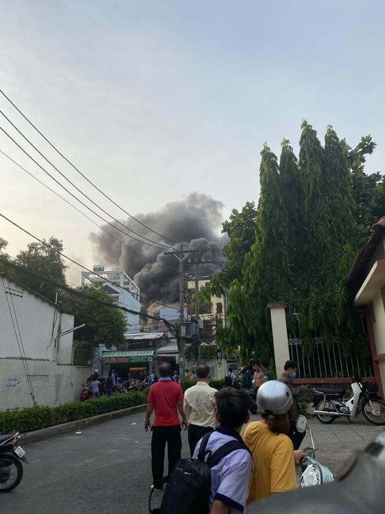 8 người tử vong trong vụ cháy nhà ở quận 11 ảnh 2