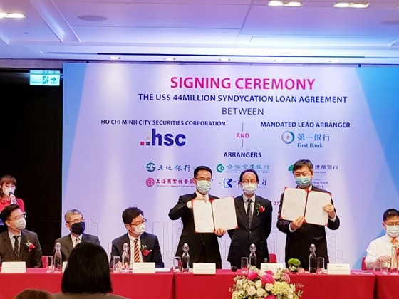 Ngân hàng First Commercial Bank cùng Công ty Cổ phần chứng khoán TPHCM ký kết hợp đồng 44 triệu USD ảnh 2