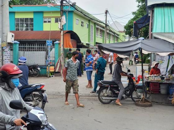 Truy bắt kẻ khoá cửa, đốt nhà khiến 2 vợ chồng bị bỏng ở TP Thủ Đức ảnh 1