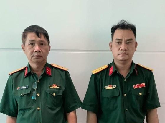 Khởi tố, bắt giam 2 đối tượng mạo danh trung tướng và đại úy quân đội ảnh 1