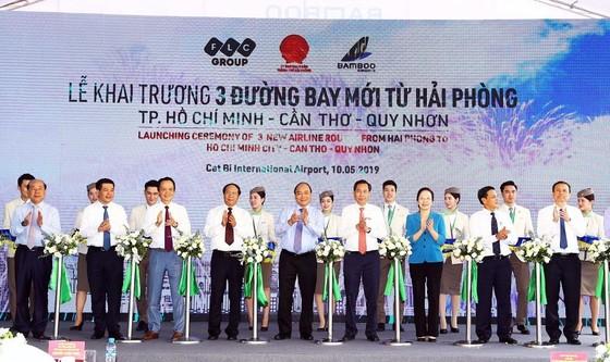 Thủ tướng Nguyễn Xuân Phúc cắt băng khai trương 3 đường bay mới của Bamboo Airways ảnh 1