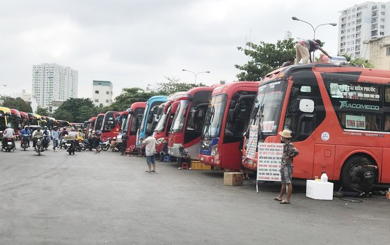 Các phương tiện vận tải trong nước được khôi phục hoàn toàn từ 0 giờ ngày 8-5 ảnh 1