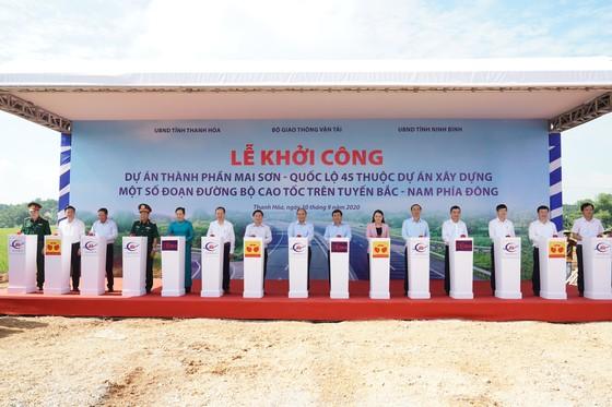 Thủ tướng Nguyễn Xuân Phúc: Thông suốt tuyến Lạng Sơn - Cà Mau để tiến tới có ít nhất 5.000km cao tốc ảnh 1