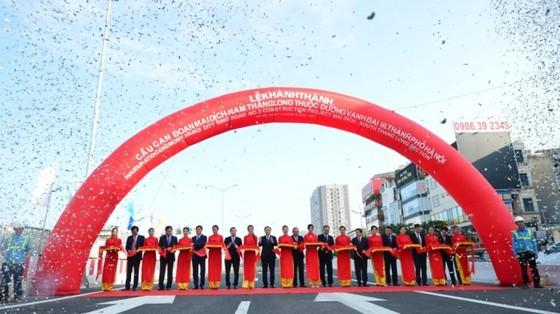 Hà Nội thông xe cầu cạn Mai Dịch - Nam Thăng Long  ảnh 2