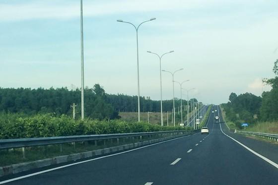 Hạ tầng giao thông Việt Nam có gì sau 10 năm xây dựng? ảnh 1