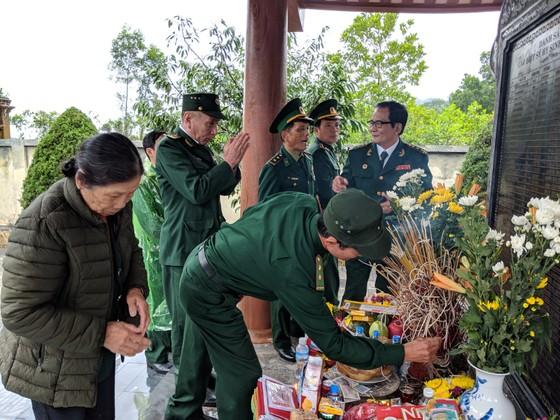 Tri ân các liệt sĩ tại di tích Đồn biên phòng 209 - Pò Hèn ảnh 15