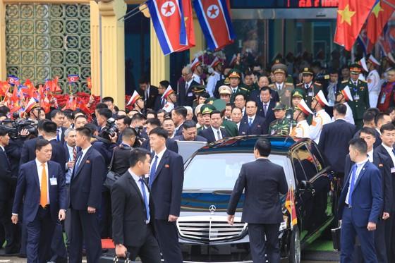 Chủ tịch Kim Jong-un đã lên xe về Thủ đô Hà Nội ảnh 6