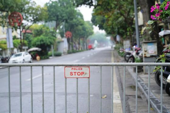 An ninh chốt chặn mọi ngả đường về khách sạn Sofitel Metropole  ảnh 1