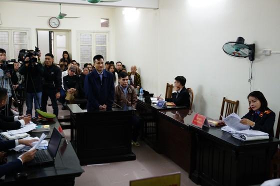 """Bắt đầu xét xử ca sĩ Châu Việt Cường tội """"Giết người"""" ảnh 1"""