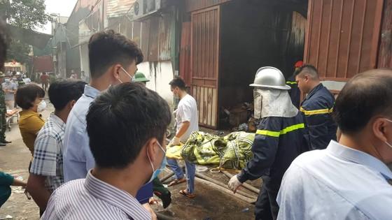 Khởi tố vụ cháy làm 8 người chết ở xưởng sản xuất thùng rác ảnh 1