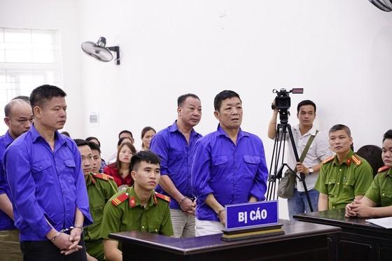 """Hoãn xử trùm bảo kê chợ Long Biên Hưng """"kính""""  ảnh 3"""