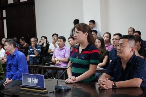 Trùm bảo kê chợ Long Biên cùng đàn em tiếp tục hầu tòa ảnh 2
