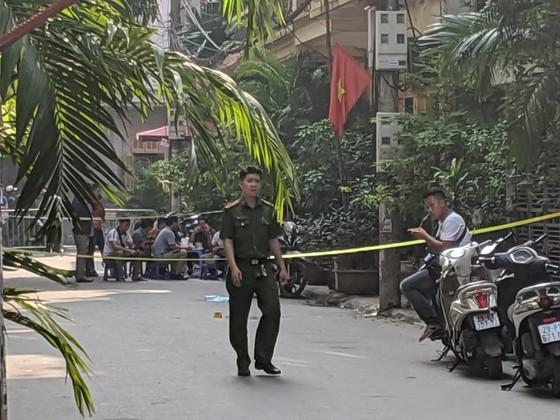Hà Nội: Án mạng kinh hoàng sáng sớm, ít nhất hai nữ sinh thiệt mạng ảnh 1