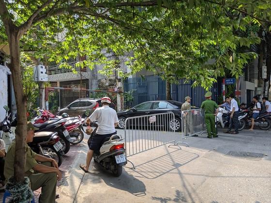 Hà Nội: Án mạng kinh hoàng sáng sớm, ít nhất hai nữ sinh thiệt mạng ảnh 2