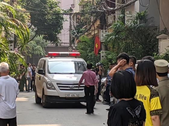 Hà Nội: Án mạng kinh hoàng sáng sớm, ít nhất hai nữ sinh thiệt mạng ảnh 3