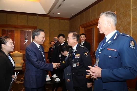 Cảnh sát quốc tế phát lệnh truy nã đỏ trên toàn thế giới với ông chủ Nhật Cường Mobile ảnh 2