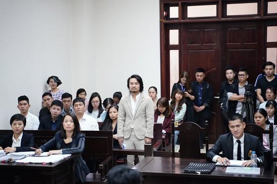Đạo diễn Việt Tú và Công ty Tuần Châu tiếp tục dắt nhau ra tòa ảnh 2