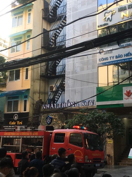 Cháy lớn tại quán karaoke trên phố Thi Sách ảnh 2