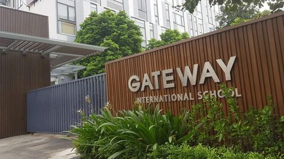 Trường Gateway, tử vong trong xe đưa đón, học sinh rơi, xe đưa đón, Hà Nội, Cầu Giấy. ảnh 1