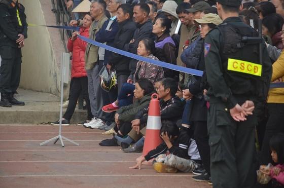 Đang xét xử 9 đối tượng sát hại nữ sinh giao gà ở Điện Biên ảnh 2