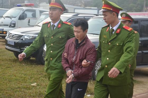 Đang xét xử 9 đối tượng sát hại nữ sinh giao gà ở Điện Biên ảnh 6