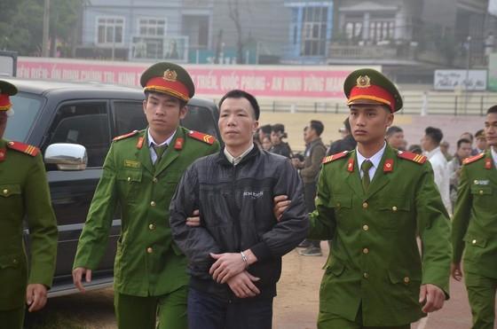 Đang xét xử 9 đối tượng sát hại nữ sinh giao gà ở Điện Biên ảnh 7