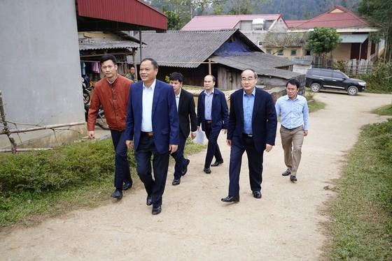 Đồng chí Nguyễn Thiện Nhân thăm và tặng quà tại tỉnh Bắc Kạn nhân dịp Xuân Canh Tý ảnh 1