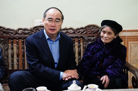 Đồng chí Nguyễn Thiện Nhân thăm và tặng quà tại tỉnh Bắc Kạn nhân dịp Xuân Canh Tý ảnh 2