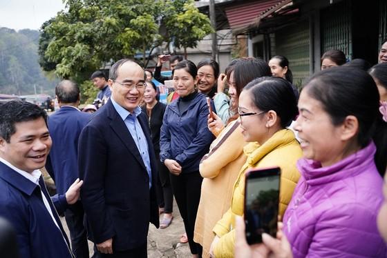 Đồng chí Nguyễn Thiện Nhân thăm và tặng quà tại tỉnh Bắc Kạn nhân dịp Xuân Canh Tý ảnh 9