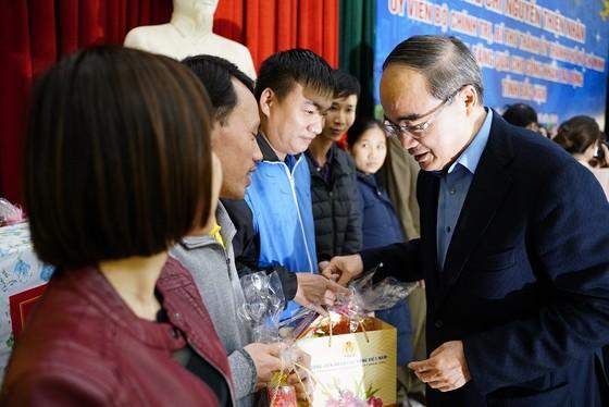 Đồng chí Nguyễn Thiện Nhân thăm và tặng quà tại tỉnh Bắc Kạn nhân dịp Xuân Canh Tý ảnh 13