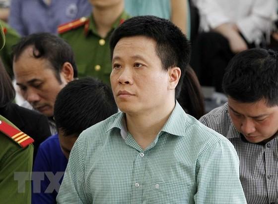 Hà Văn Thắm tiếp tục bị phạt 15 năm tù ảnh 1