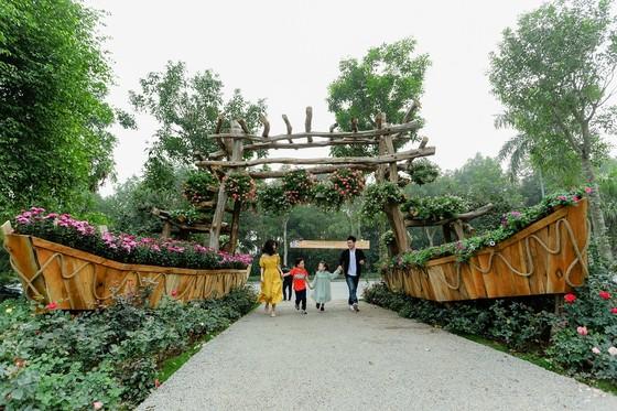 Dịp Tết thưởng thức 'Bản giao hưởng mùa xuân' lung linh tại Ecopark ảnh 1