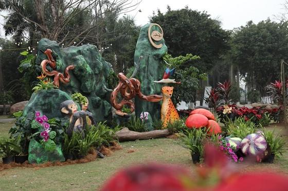 Dịp Tết thưởng thức 'Bản giao hưởng mùa xuân' lung linh tại Ecopark ảnh 9