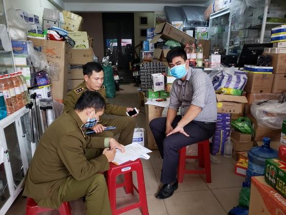 Công an Hà Nội ra quân xử lý nạn đầu cơ khẩu trang y tế ảnh 1
