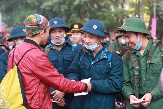 Hơn 3.000 thanh niên Thủ đô lên đường nhập ngũ ảnh 4