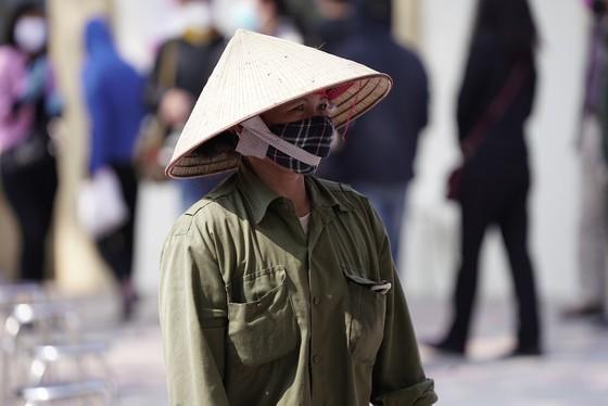 Thêm điểm phát gạo miễn phí cho người khó khăn ở Hà Nội ảnh 4