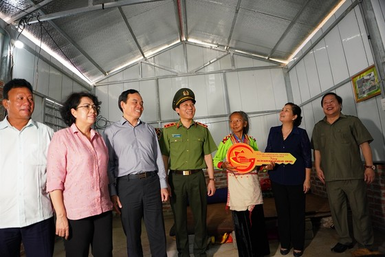 TPHCM hỗ trợ 50 tỷ đồng xây nhà tặng người nghèo tỉnh Lai Châu ảnh 9