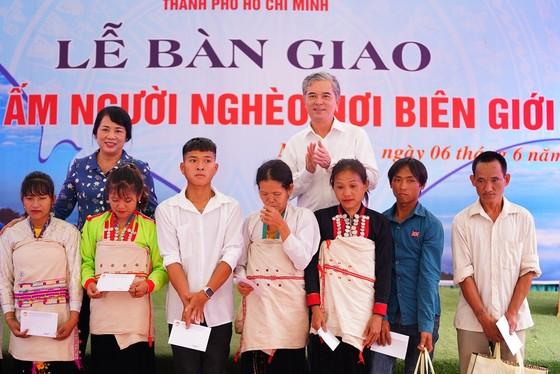 TPHCM hỗ trợ 50 tỷ đồng xây nhà tặng người nghèo tỉnh Lai Châu ảnh 4