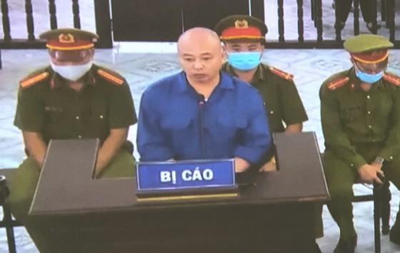 Đường 'Nhuệ' nhận 2 năm 6 tháng tù ở vụ án đánh người tại trụ sở công an ảnh 1