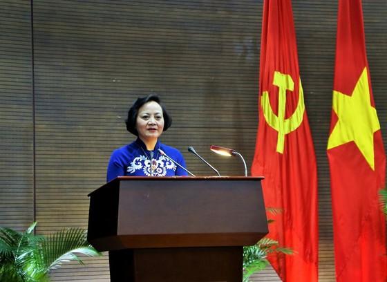 Tân Thứ trưởng Bộ Nội vụ Phạm Thị Thanh Trà nói sẽ nỗ lực phấn đấu để hoàn thành mọi nhiệm vụ  ảnh 2