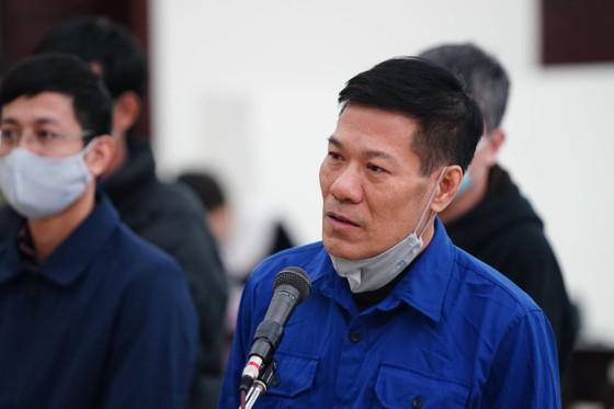 Cựu Giám đốc CDC Hà Nội - chủ mưu vụ nâng giá máy xét nghiệm Covid-19 thừa nhận hành vi ảnh 1