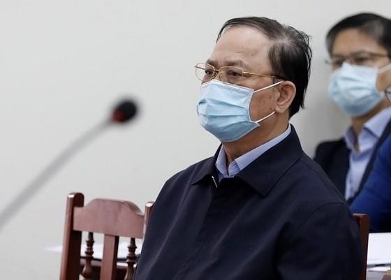 Cựu Thứ trưởng Bộ Quốc phòng Nguyễn Văn Hiến được giảm 6 tháng tù ảnh 2