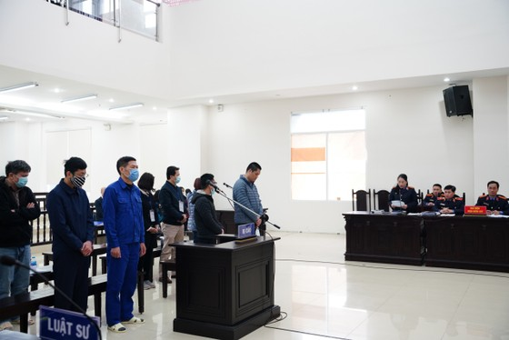 Cựu Giám đốc CDC Hà Nội bị đề nghị phạt từ 10-11 năm tù ảnh 2