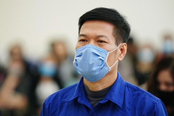 Vụ nâng giá máy xét nghiệm Covid-19: Chủ mưu Nguyễn Nhật Cảm lãnh 10 năm tù giam ảnh 3