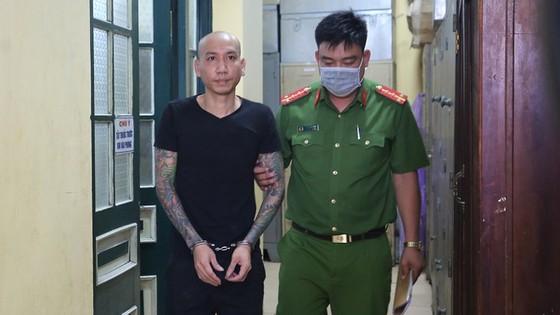 Đình chỉ xét xử vụ án Phú Lê và đàn em tội cố ý gây thương tích ảnh 1