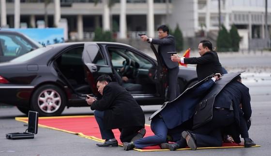 Diễn tập bảo vệ nguyên thủ khi bất ngờ có khủng bố ảnh 7